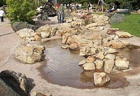Spielplatzgestaltung In Kita Wohngebiet Und Hausgarten Ideen Garten Haus Und Garten Spielplatz