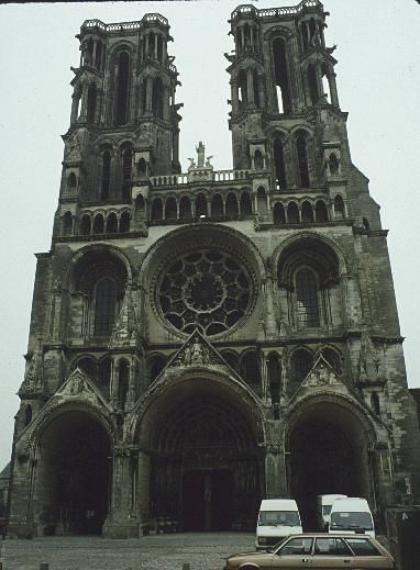 Medieval Gothic Art | Medieval Architecture: Gothic Architecture   Laon  Cathedral, 1160 1225