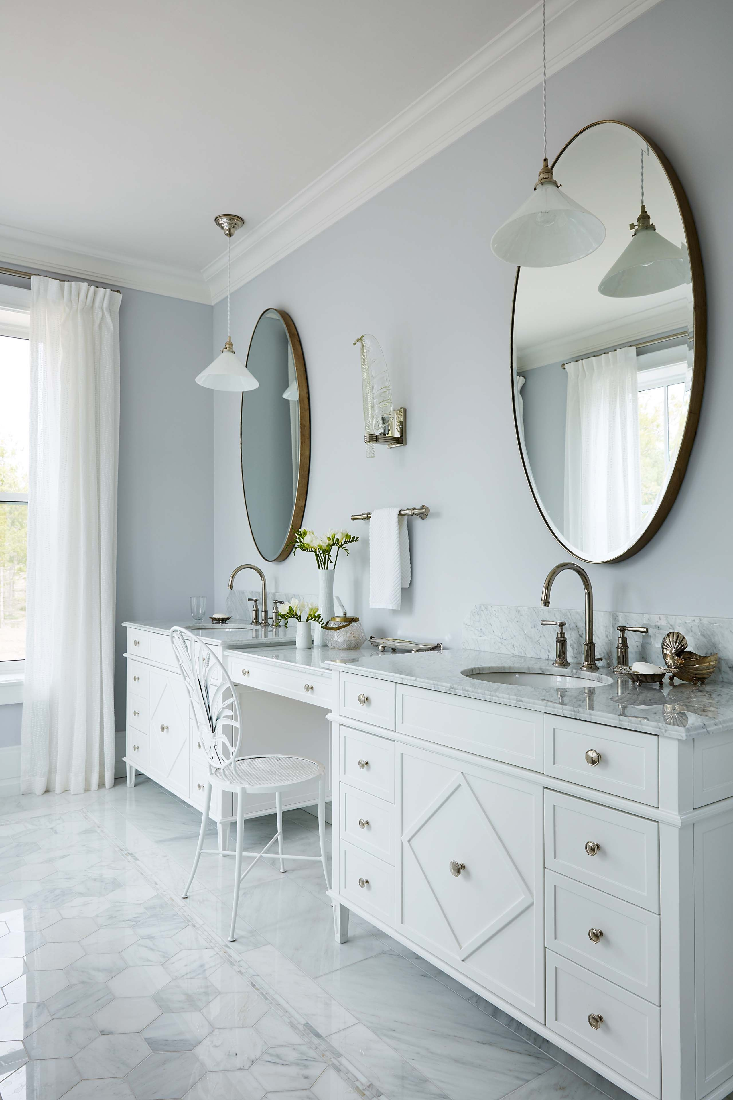 Large Double Vanity With A Makeup Station In Sarah Richardsonu0027s New Ensuite    Sarah Off The