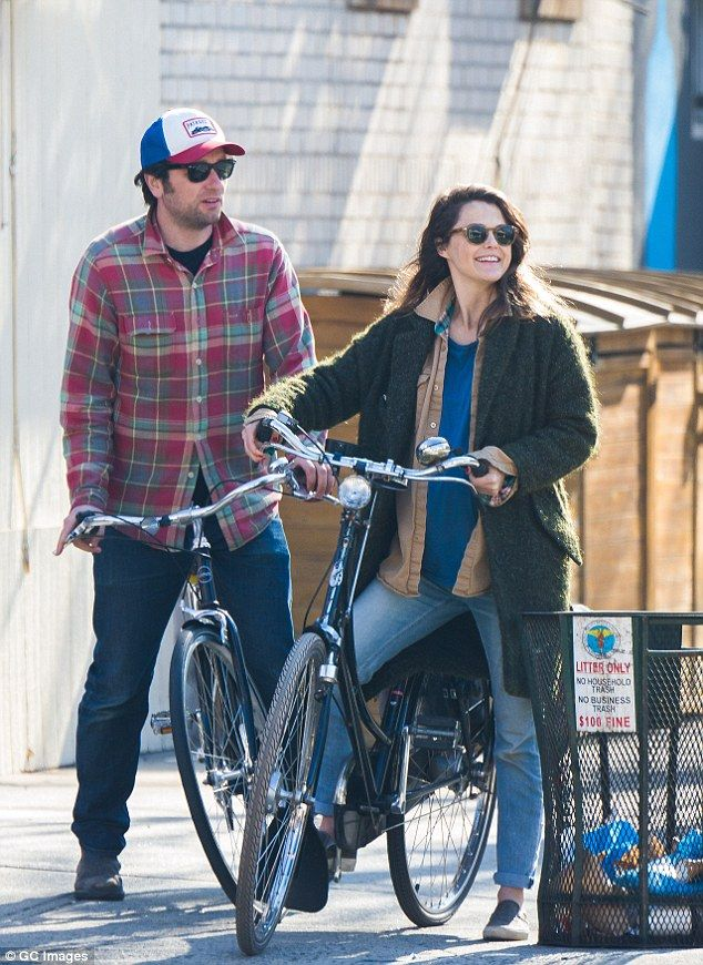 A mix up: The actress had on different jeans but the same coat, shoes and blue T-shirt las...