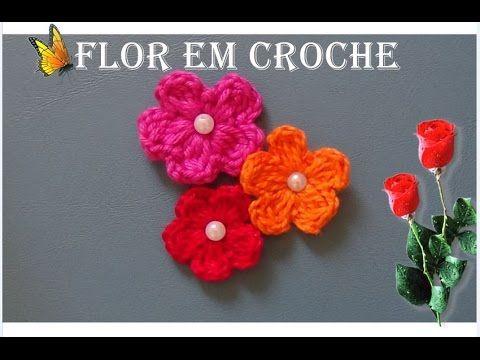 Mini flor em croche para aplique