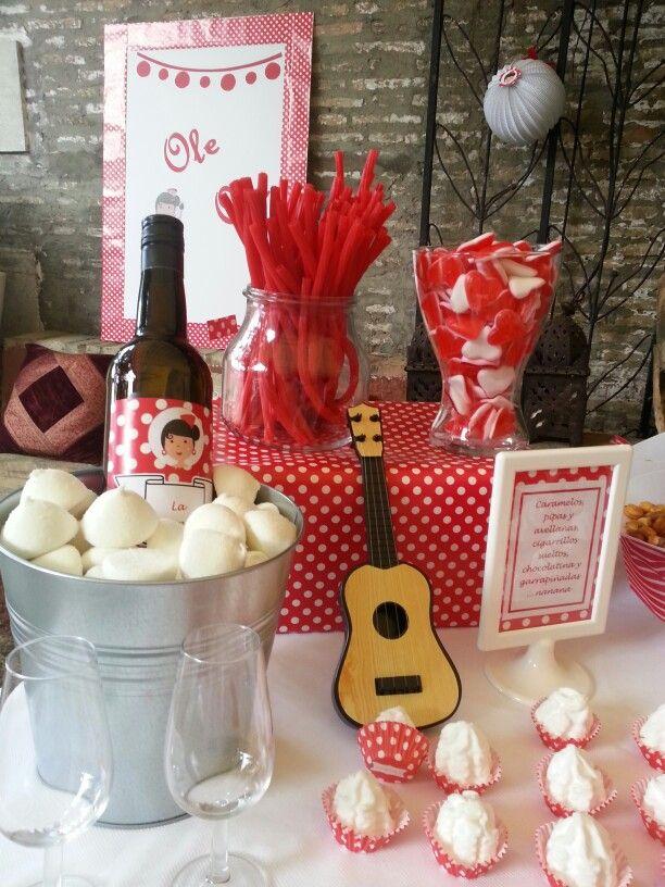 Mesa dulce con detalles flamencos mesa dulce boda for Detalles decoracion boda