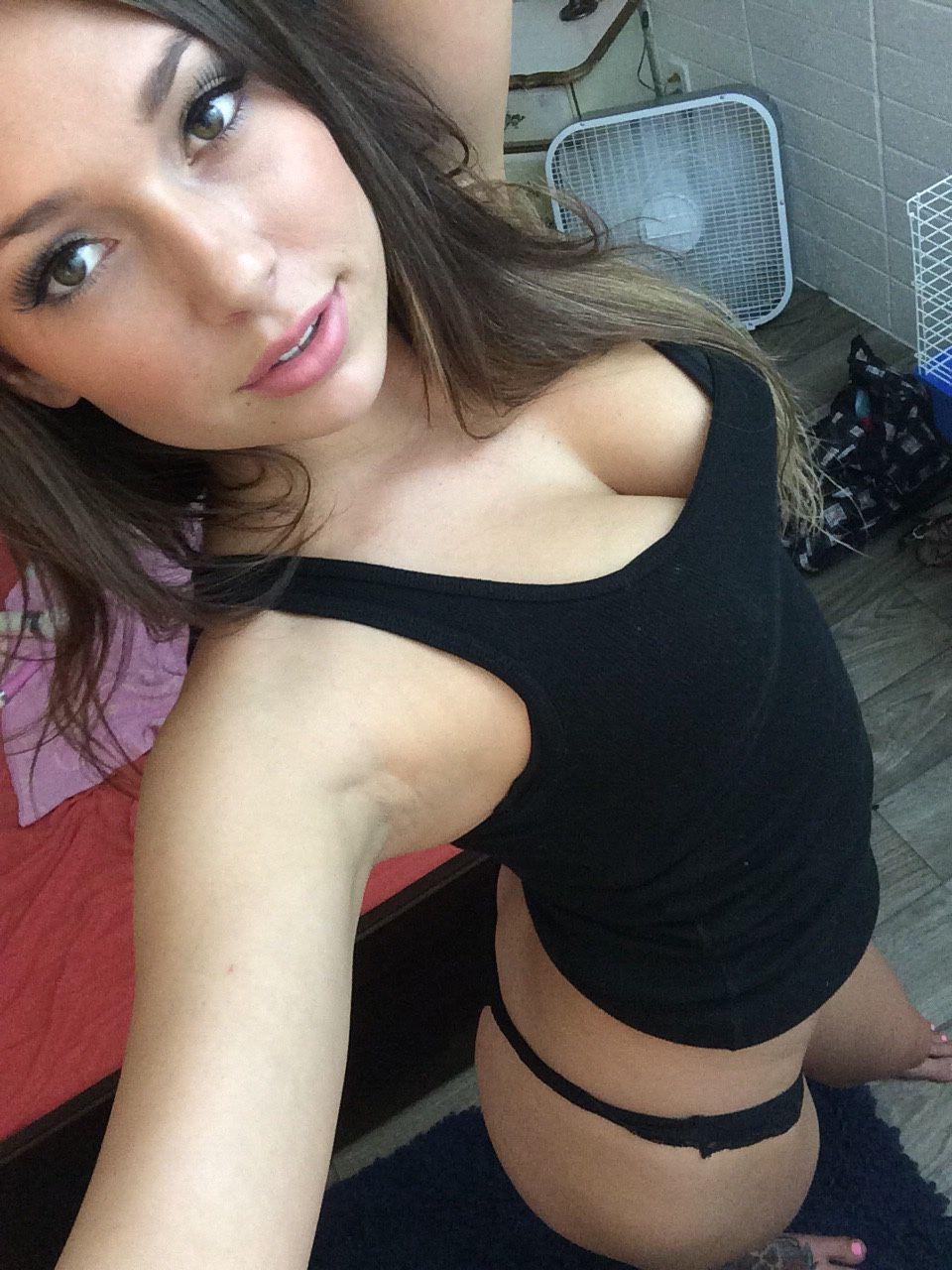 Cam show girl