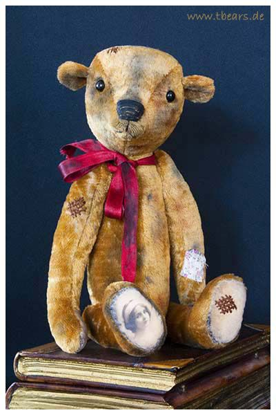 Hansi, 35 cm. Teddy bear in antique style by Karin Jehle  of Lovable Fellows.