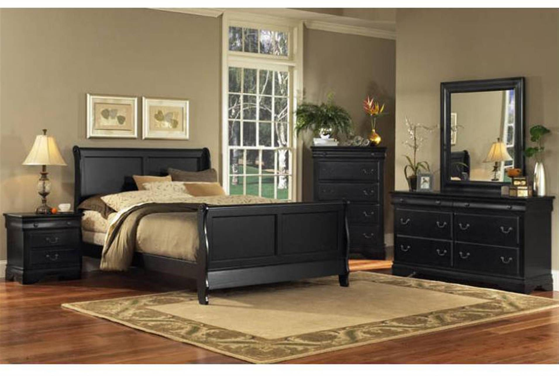Clayton Cherrywood - Very nice bedroom set, that I would ...