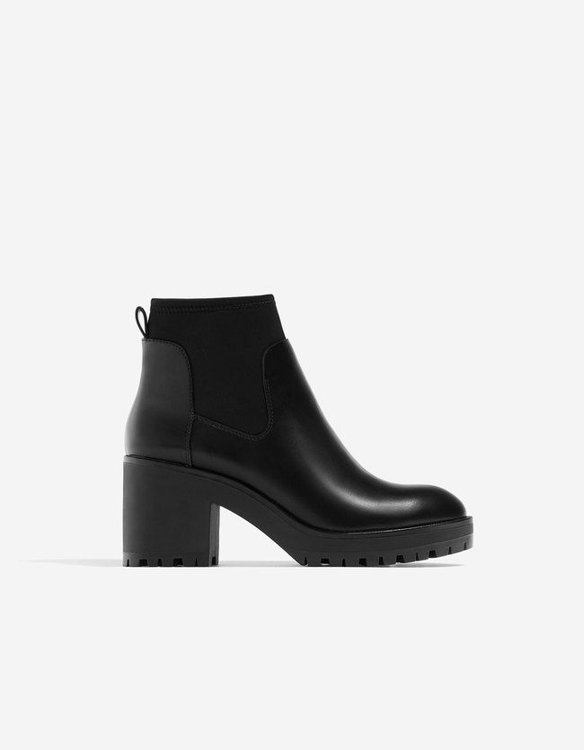Boots and ankle boots at Stradivarius online. Visit now and