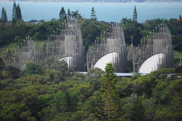 le centre culturel Jean-Marie TJIBAOU à NOUMEA en Nouvelle-Calédonie est une véritable œuvre d'art dédiée à la culture kanake.