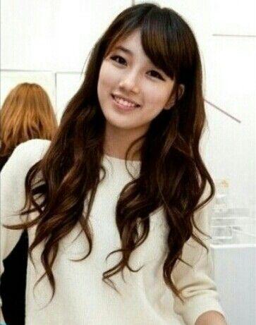Side Fringe With Long Hair Bae Suzy Long Hair Girl Long Hair Styles