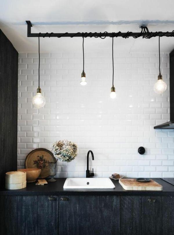 lampe-glühbirnenform-diy-deko-weiß-küchenrückwand-fliesen DIY - fliesen für küchenwand