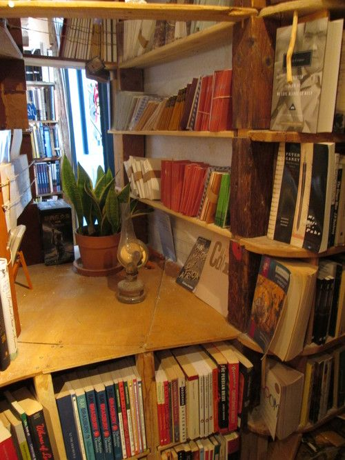 Book Nook at Atlantis Books / salt and sand