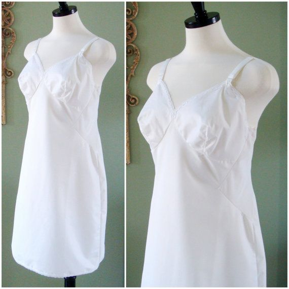 Vintage Full Slip White Full Fitted White Lorraine Slip With White Lace Trim And Kick Pleat Slip Size 36 Short Undergarment White Lace Little Dresses Kick Pleat