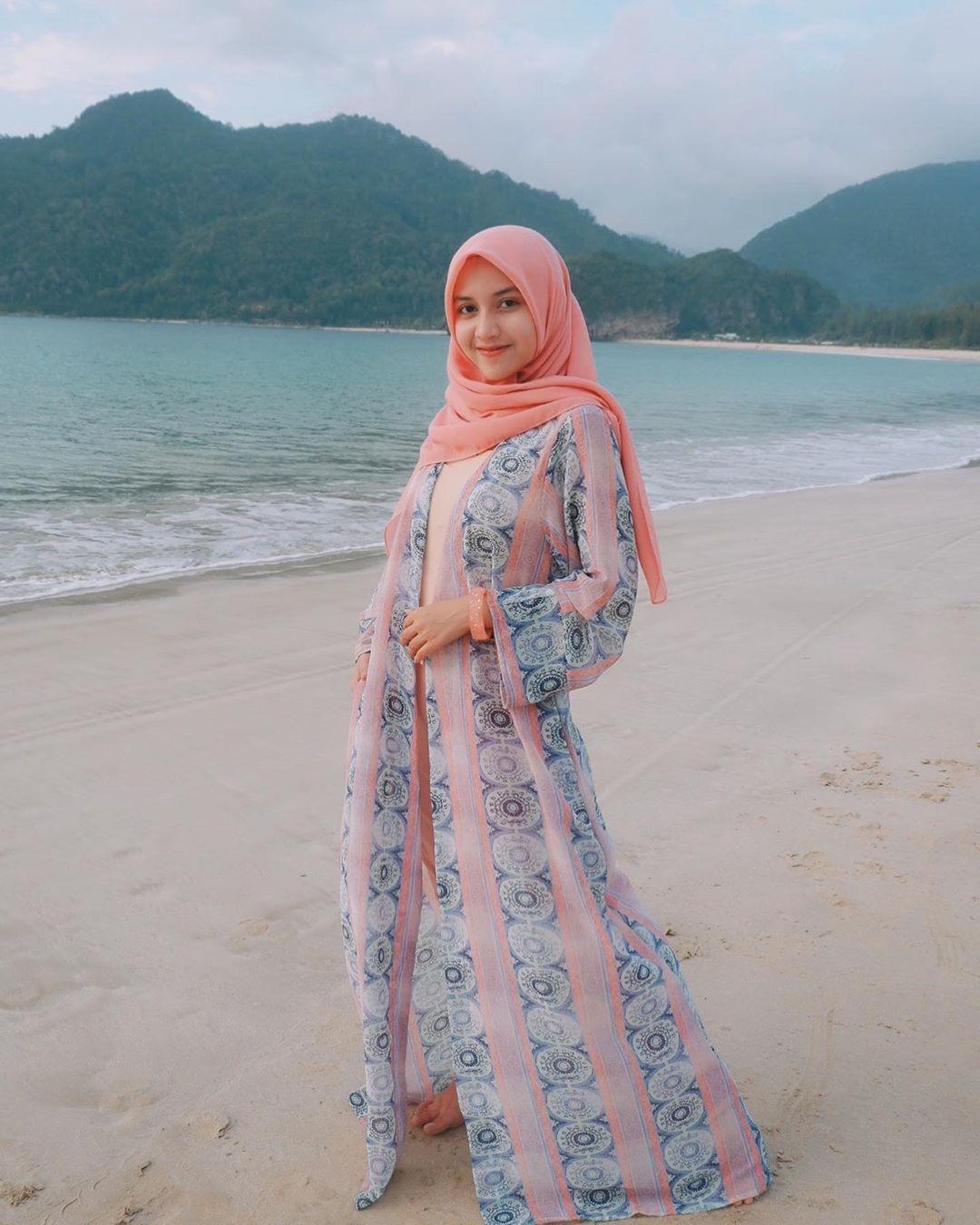 pin di hijab fashion