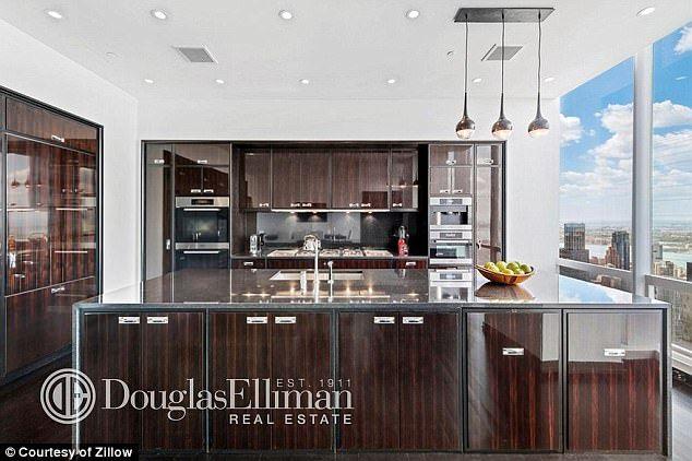 51million Manhattan Billionaire S Row Penthouse Goes Up For Auction New York Apartment Luxury Penthouse Kitchen