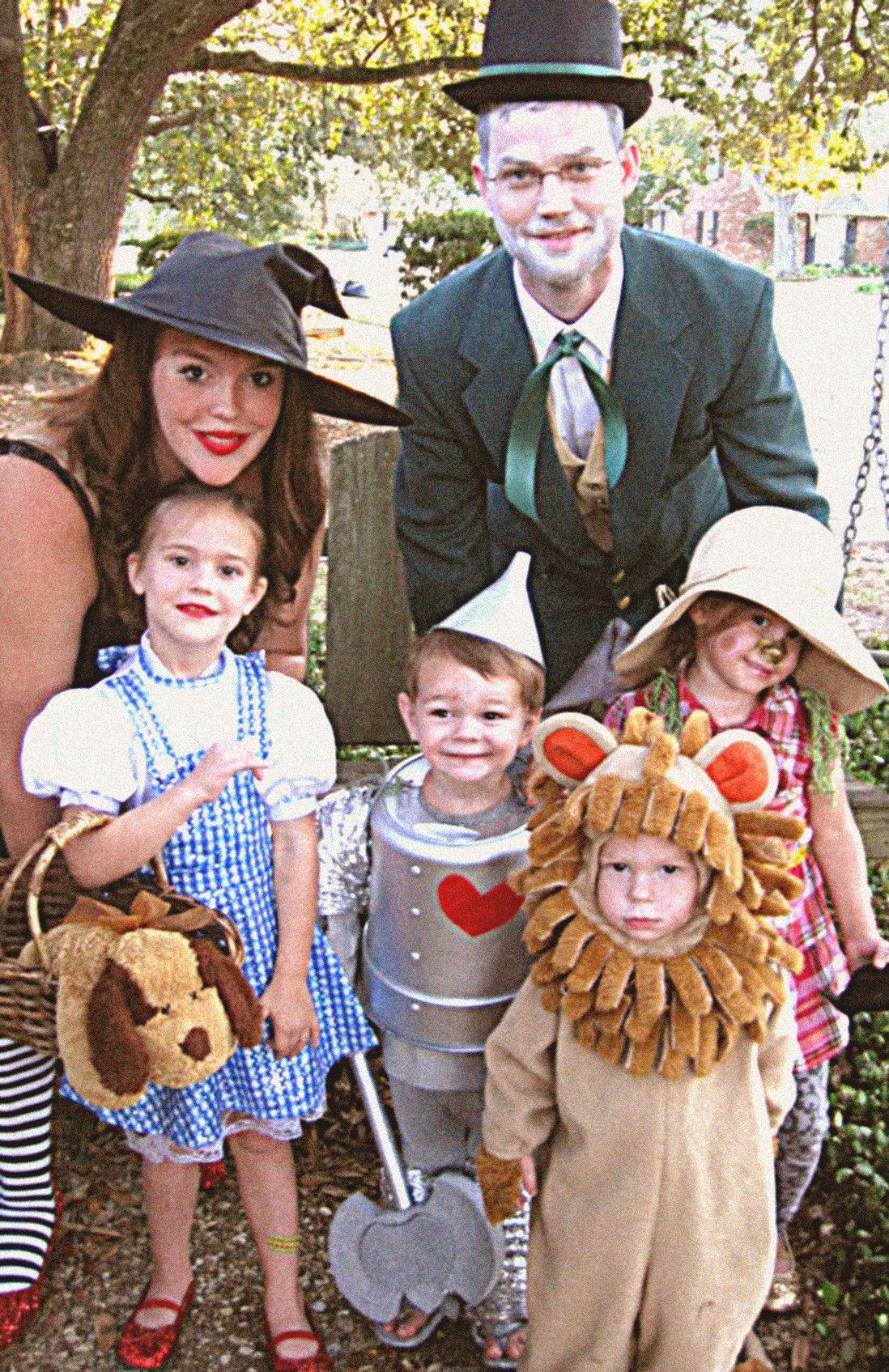 Wizard of Oz family!! Our Halloween costumes for this year...I had ...