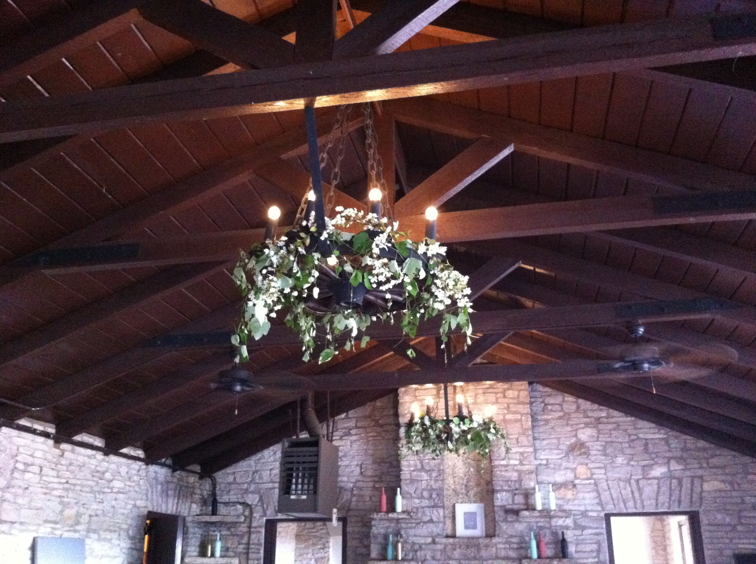 Thirty day dash wedding and creative services rustic beams and