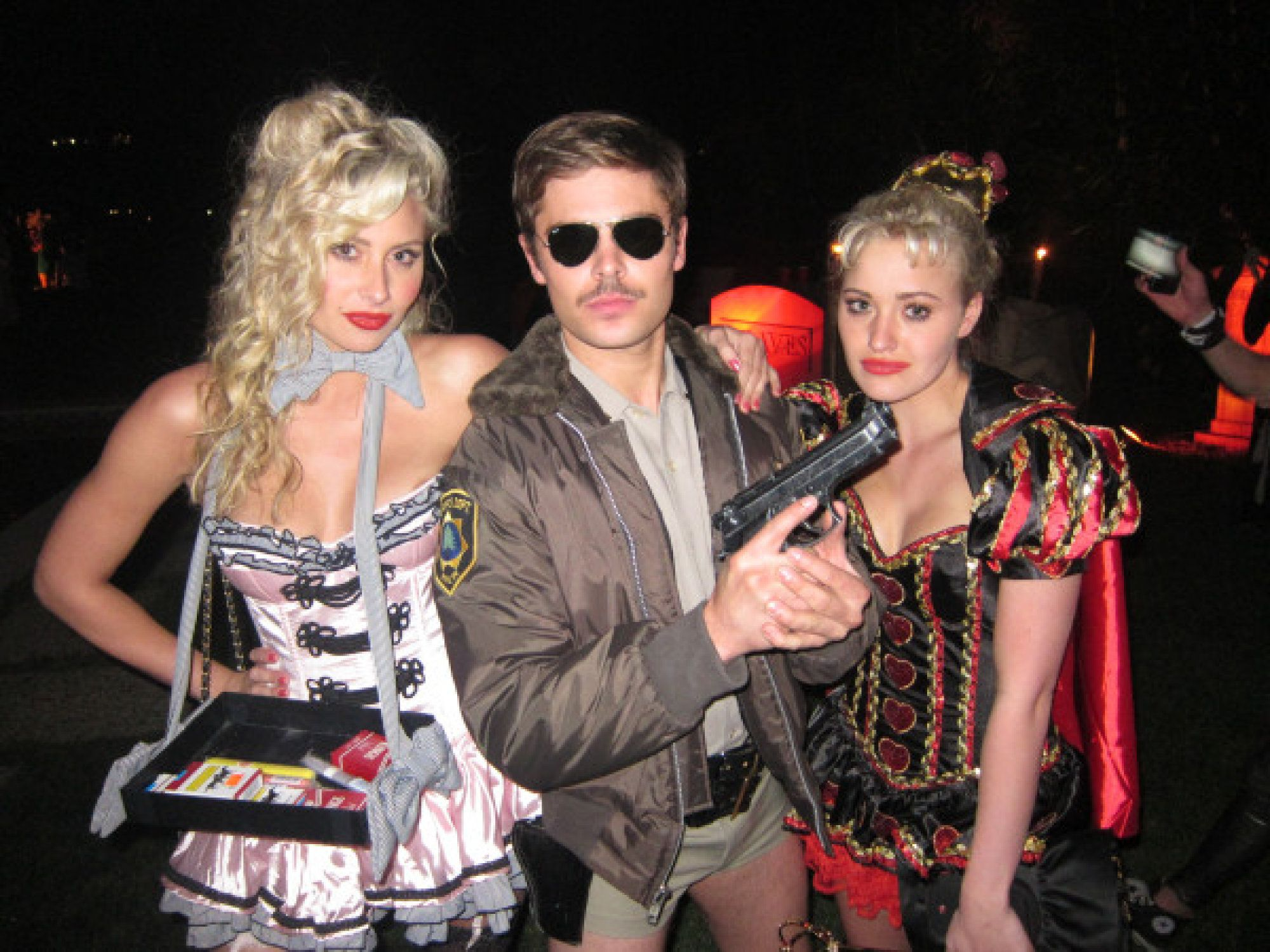 Reno 911 Halloween Costume.Here Are The 33 Best Celebrity Halloween Costumes Of All Time