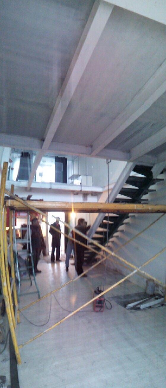 Acabada la estructura / A realizar el pavimento, electricidad y por último la pintura.