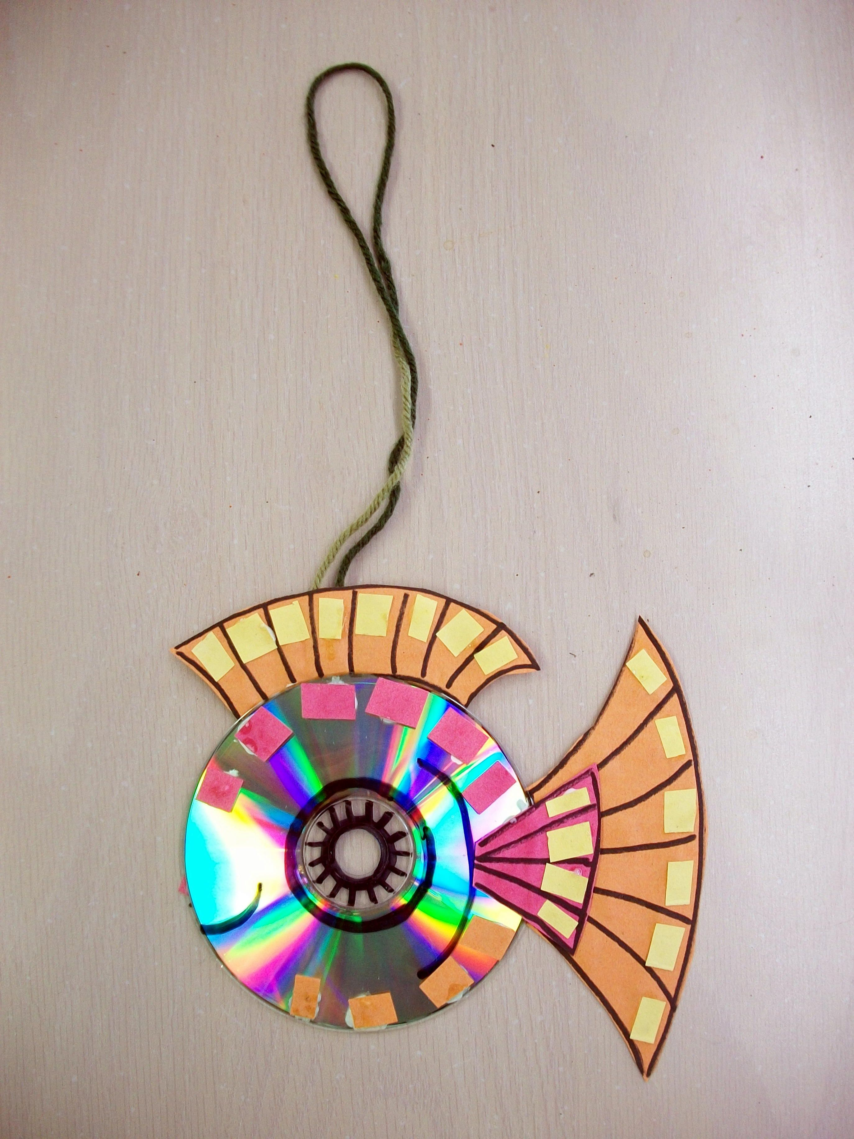 Recycled Art Old CD Construction Paper Permanent Marker Glue Yarn Scissors Great Project For 5 7 Year Olds