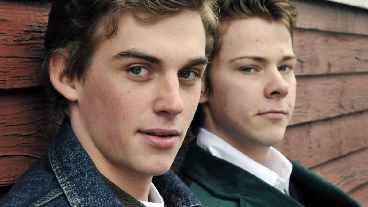 Veljekset Rupert (Lauri Tilkanen) ja Evert (Iiro Panula) ovat vannoneet verivalan.