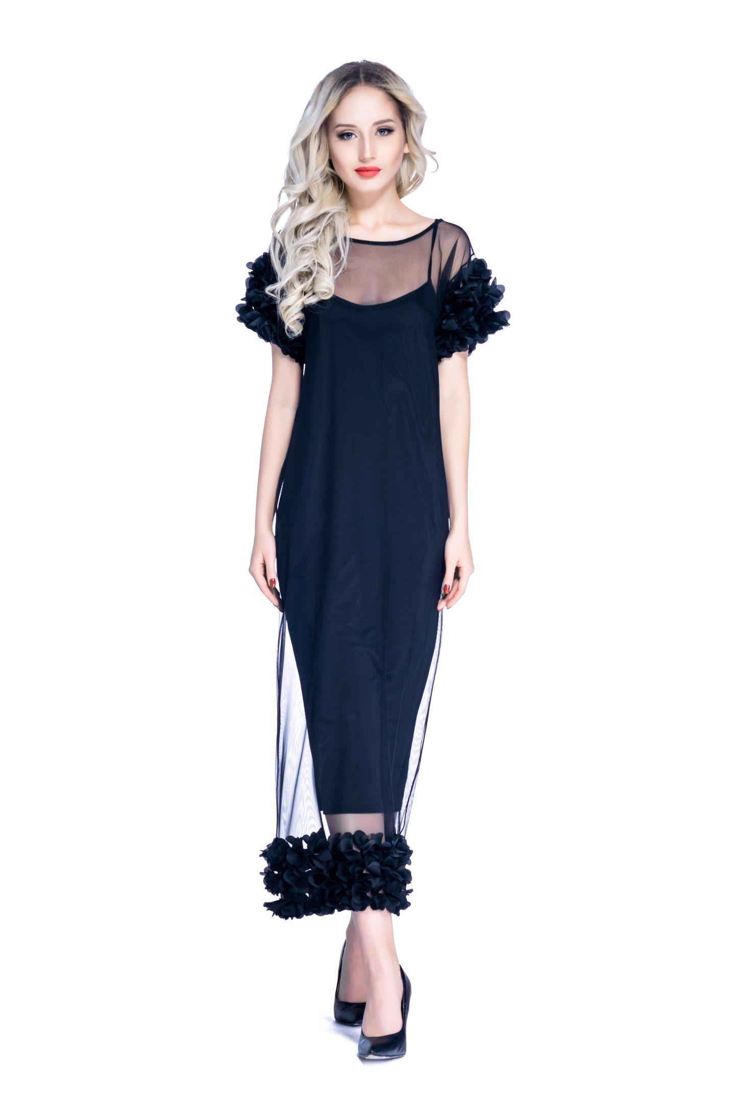 10f1314091a Экстравагантный образ. Объемный декор на платье. Полупрозрачный верх.  Классический черный цвет. Вечерний образ. Новый год и Рождество. beautiful  dresses