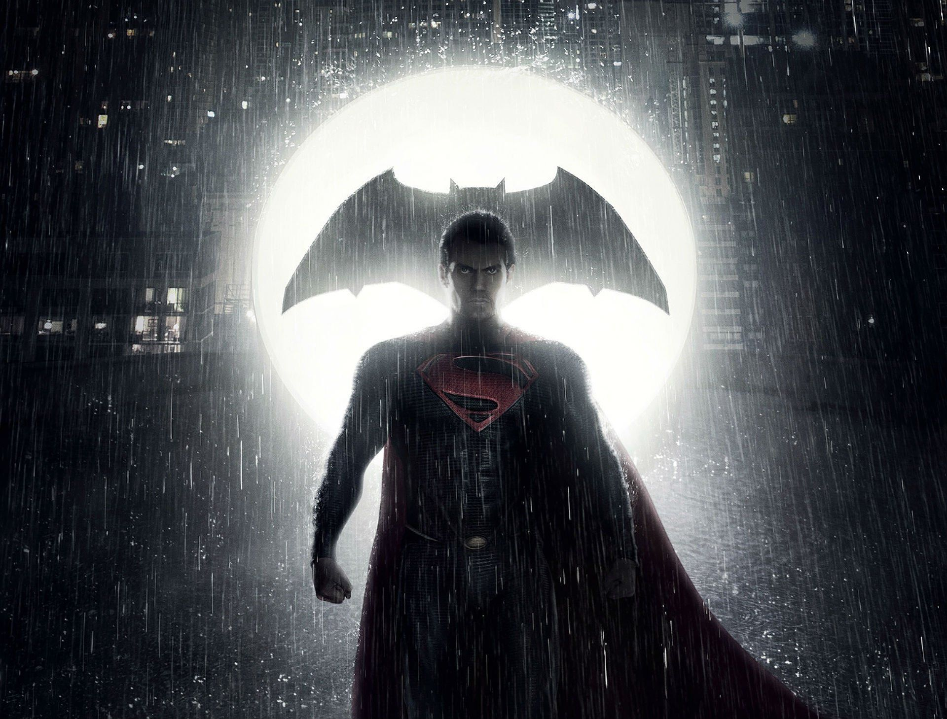 Batman v Superman image shows a massive Batman