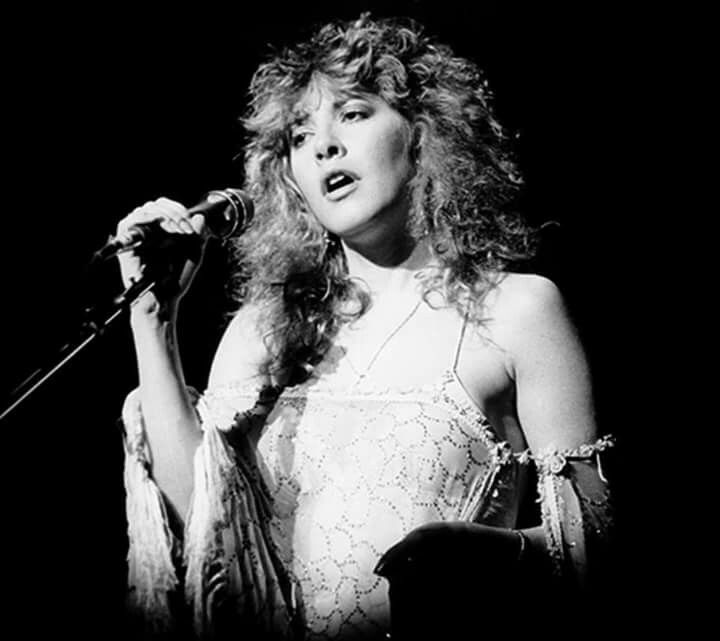 Stevie Nicks i can imagine her singing Dreams in this photo