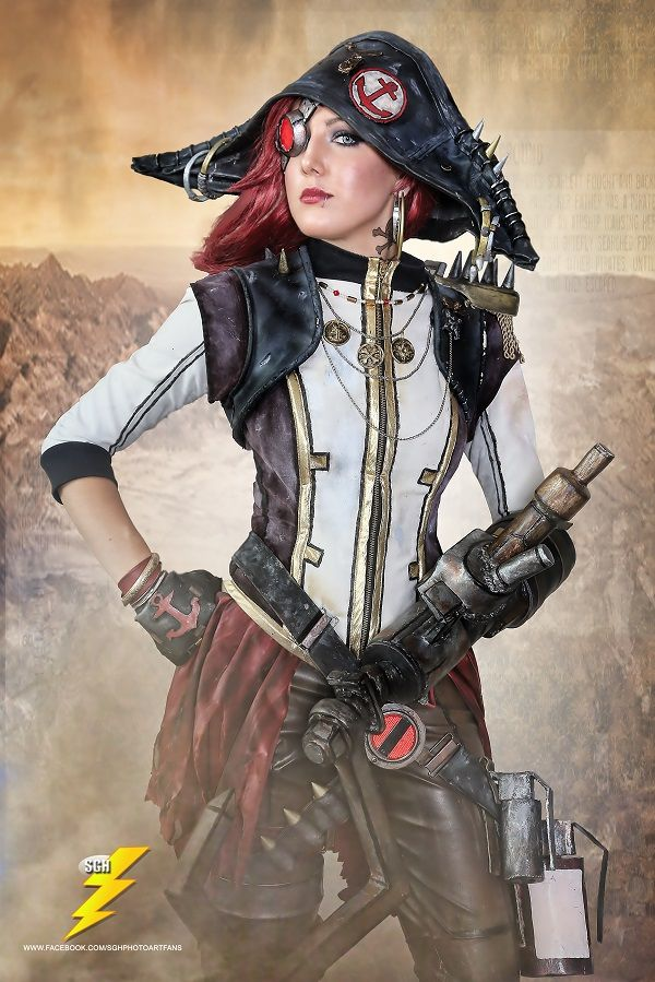 Impressive Captain Scarlett of Borderlands 2 Cosplay