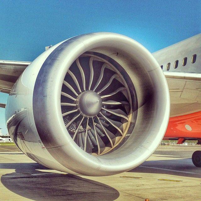 Jetstar B787 Rolls Royce Trent 1000 @jasonarmbrecht