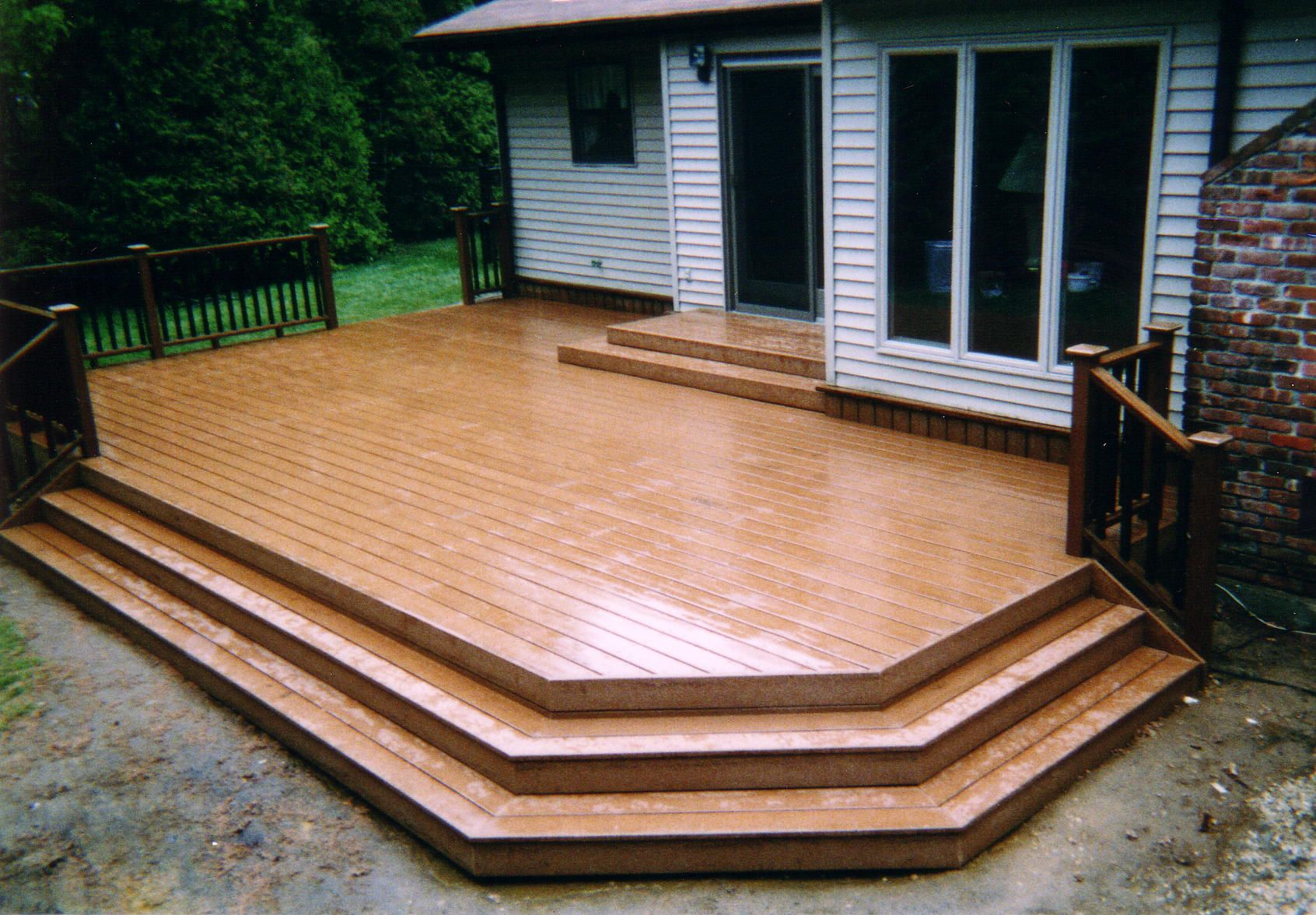 Pictures of decks for small back yards free images of for Decking for back garden