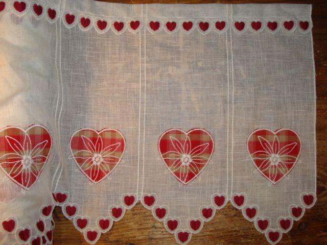 coeurs rideaux brise bise francais pinterest rideaux brise bise et coeur. Black Bedroom Furniture Sets. Home Design Ideas