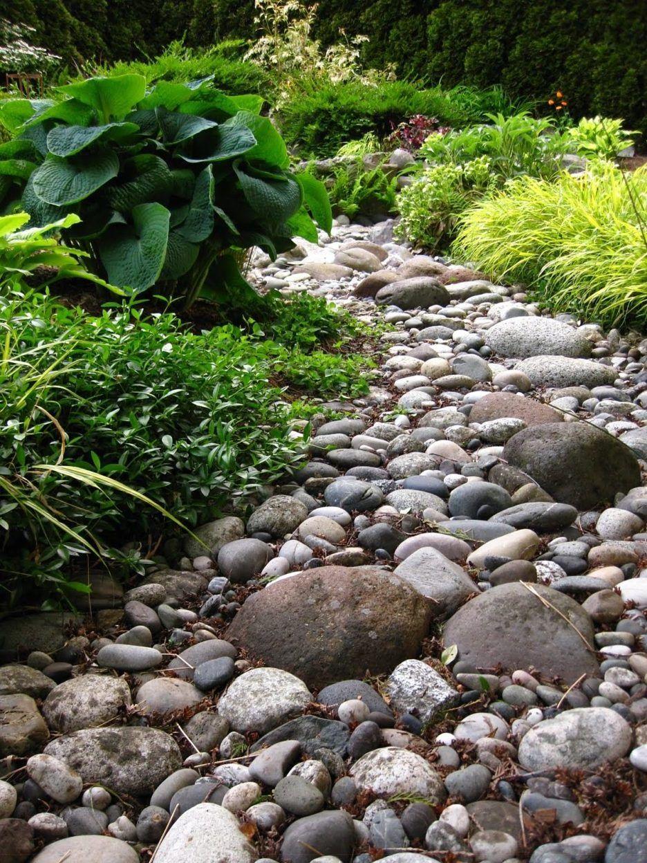 41 Inspirationen für Gartengestaltung mit Steinen | Dry creek bed ...