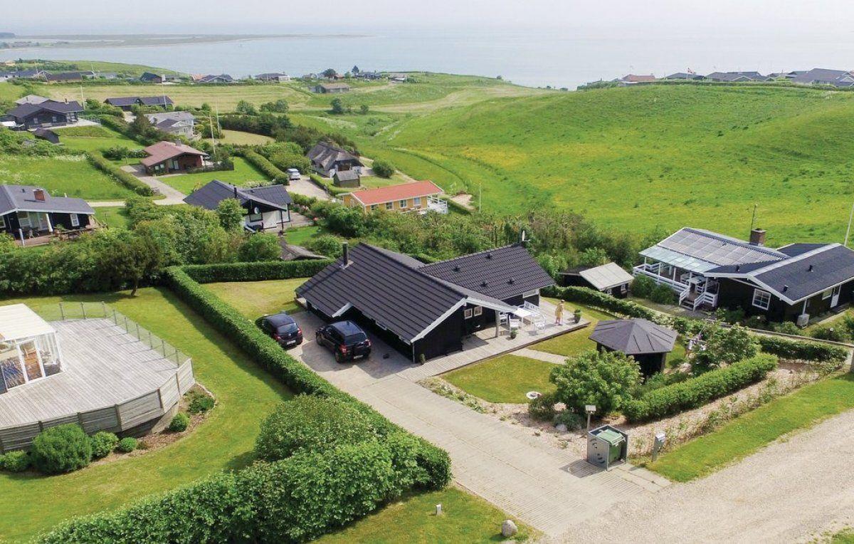 Dieses Freundliche Anwesen Liegt Ganz Nahe Am Kinderfreundlichen Strand Und Bietet Einen Wunderschonen Panoram Ferienhaus Danemark Ferienhaus Mieten Ferienhaus
