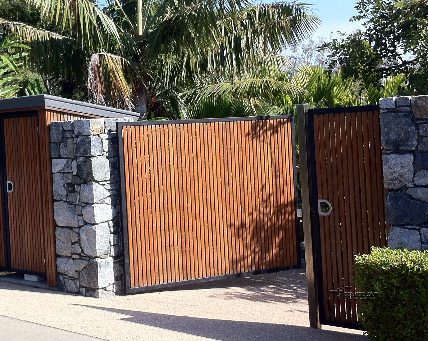 Galvanized steel frame drive gate fence dallas wood gate - Timber Slat Fence Panels Google Search Steel Framehousegoogle Searchwooden Gatesa