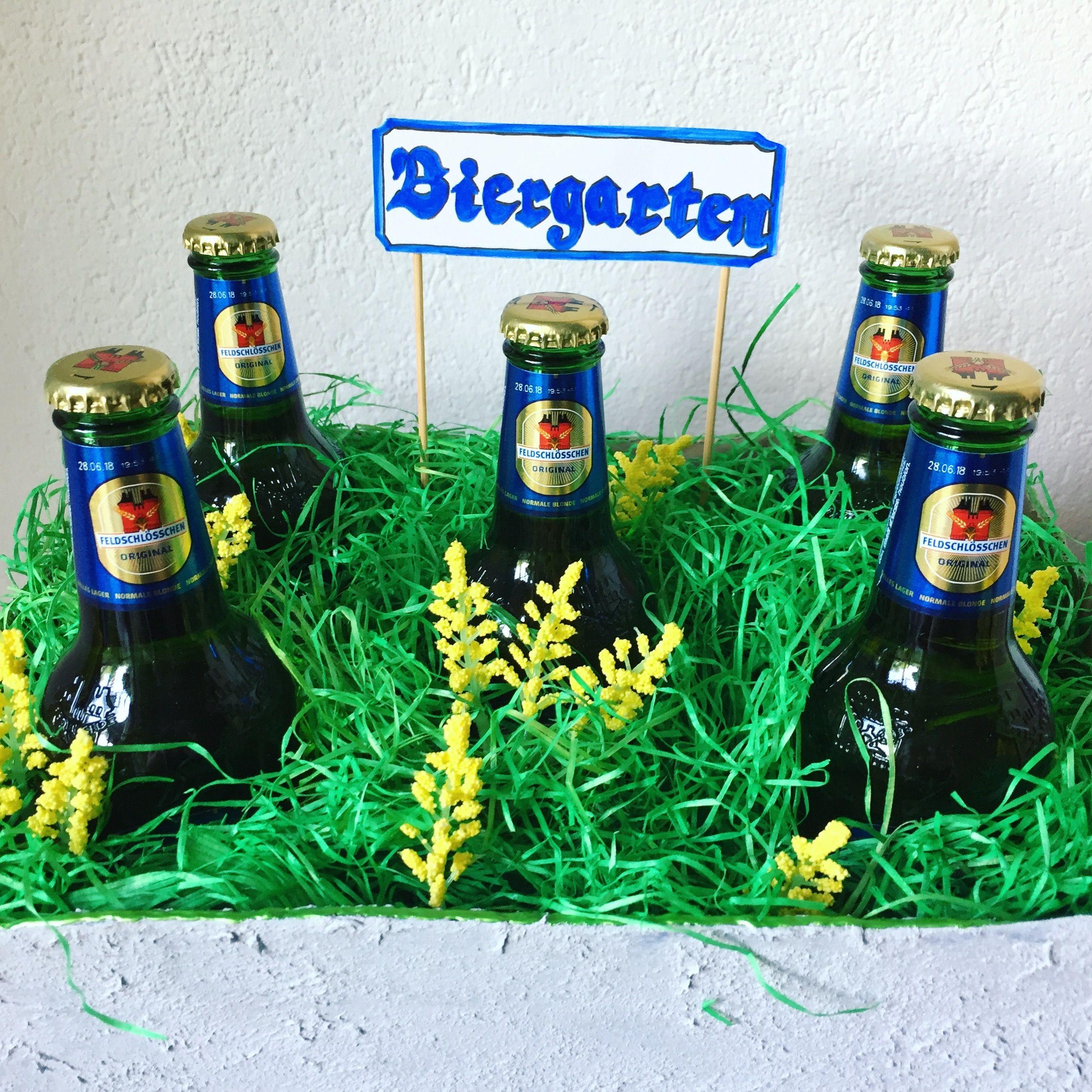 Biergarten Als Geschenk Auf Einer Grillparty Bier Grillparty
