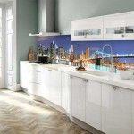 Plexiglas küchenrückwand und mit laminat boden und dekoration ...