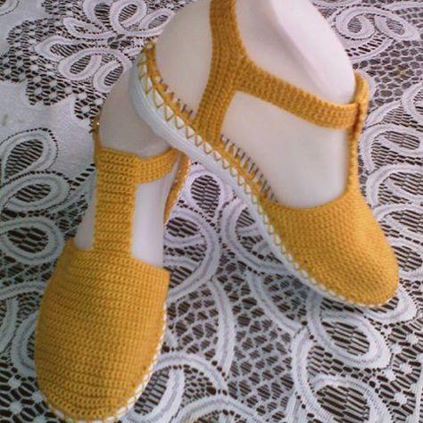 0d0ddb036 Zapato tejido a mano #artesanal #comodo#hechoencolombia #artesal #tejiditos  #mostaza #bajita #colores #tallas .