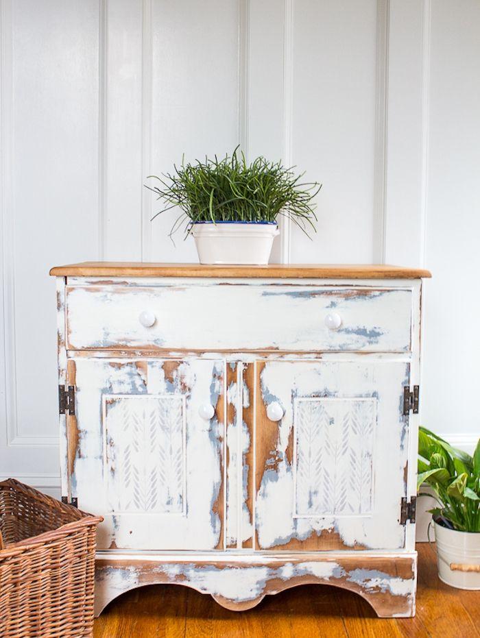 1001 Idees Comment Peindre Un Meuble Ancien En 2020 Comment Peindre Un Meuble Meuble Blanc Et Bois Mobilier De Salon