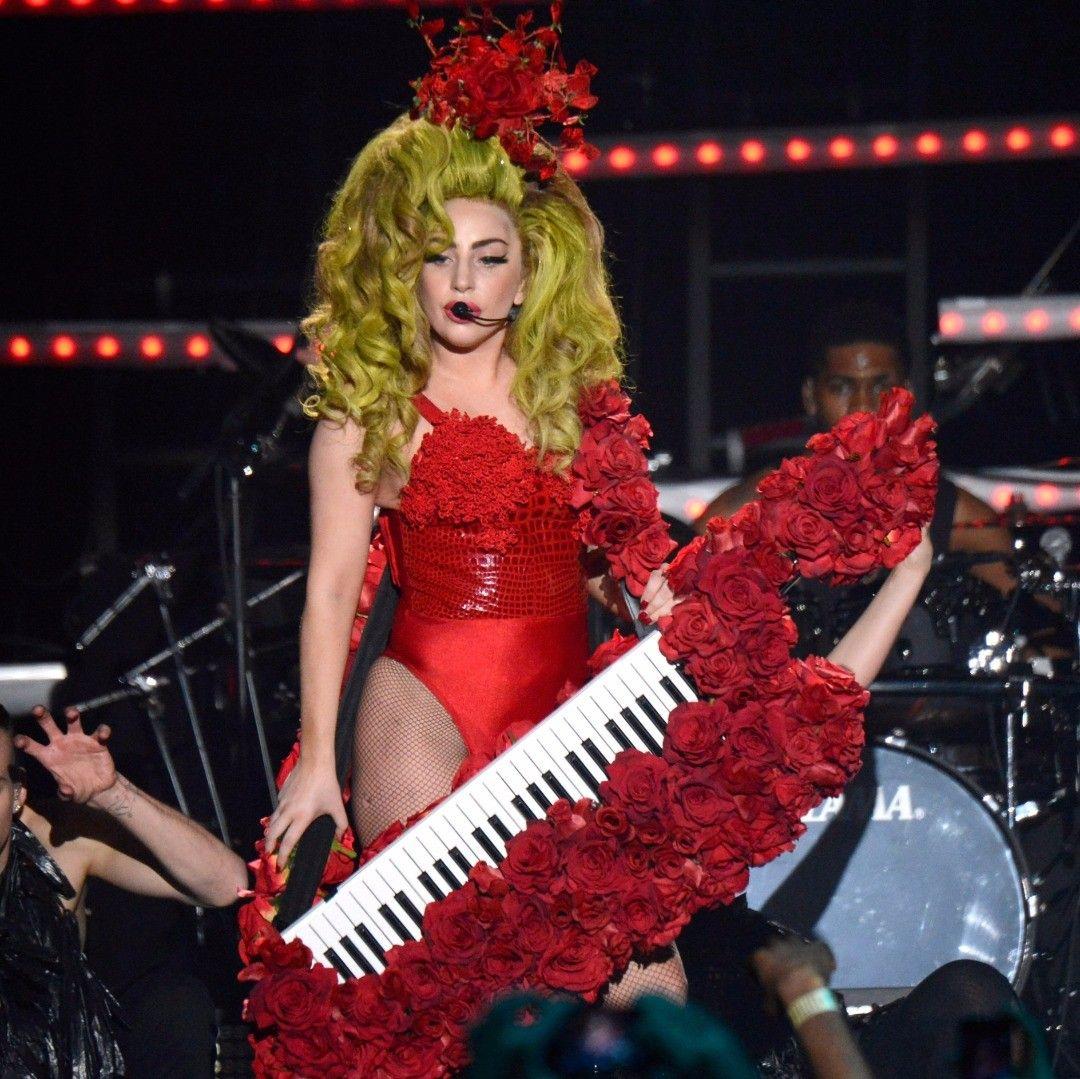 What are 10 glamorous photos of Lady Gaga? - Quora