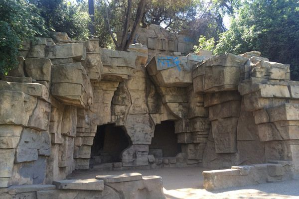 Roam The Grounds Of La 39 S Old Zoo Former Home Of Ivan The Terrible Griffith Park Los Angeles Parks Zoo