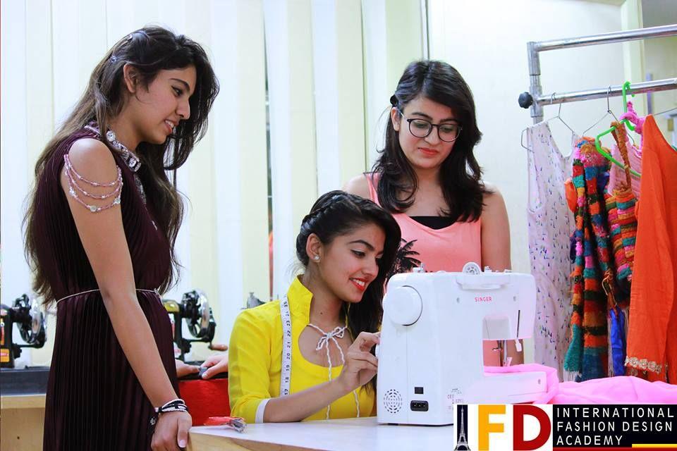 Ifda International Fashion Design Academy In Chandigarh Is The Best Fashion Design Fashion Designing Course Fashion Designing Institute International Fashion