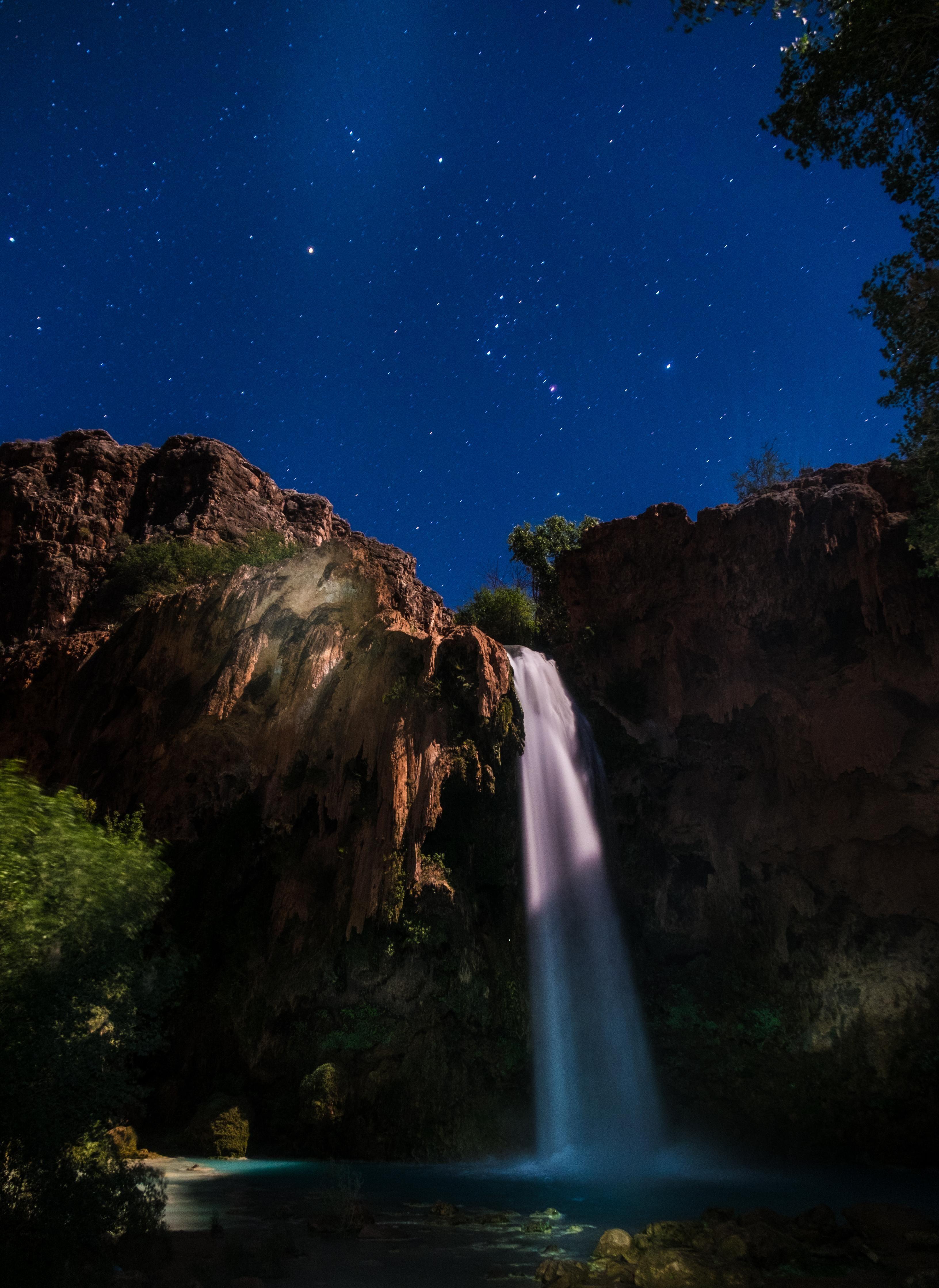 Day shifts to night in the Arizona sky   Sky photos