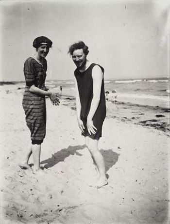 Virginia Woolf and Clive Bell at the seaside, having a good chuckle.