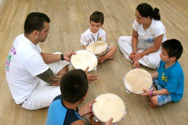 capoeira kids class --> sinhacapoeira.com