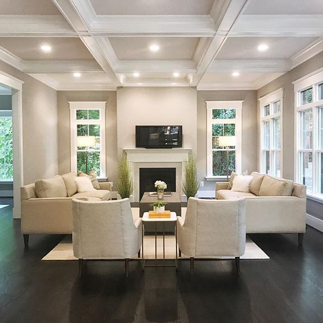 Living Room Staging Ideas: Family Room Staging! #boxwoodhomestaging #newconstruction