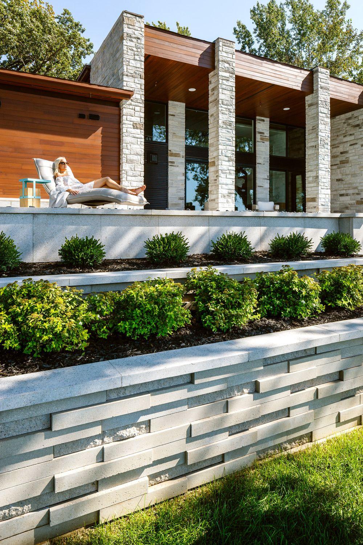 Modern Retaining Wall Design Landscaping Ideas In 2021 Hintergarten Landschaftsdesign Bausteine