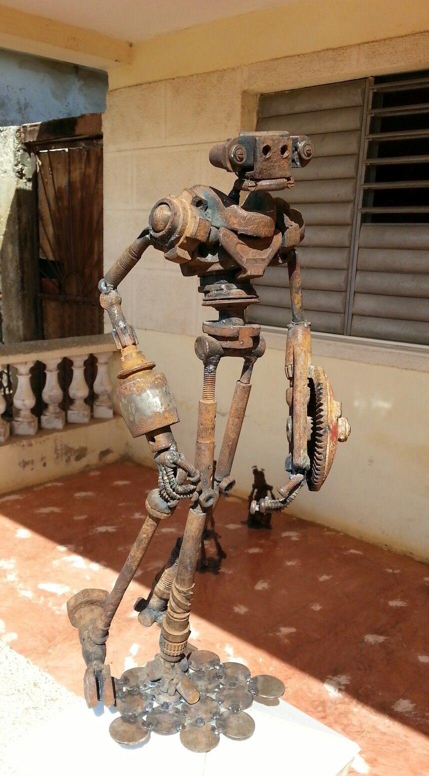 Personages hechos con engranajes y piezas oxidadas | Robots scrap ...
