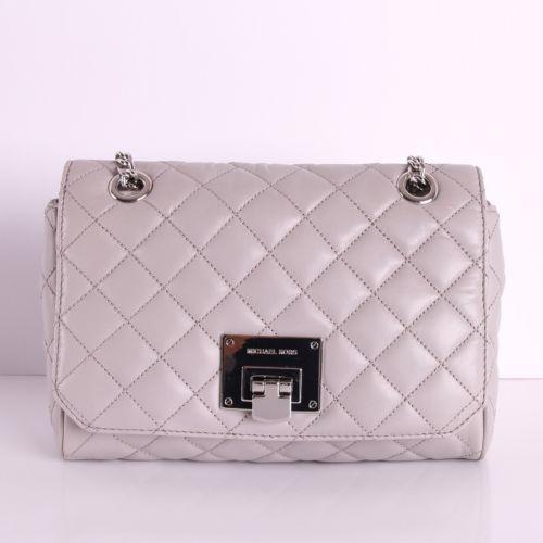 613e8a95bb4f NWT-Michael-Kors-VIVIANNE-Quilted-Leather-Medium-Shoulder-Flap-Chain-Bag
