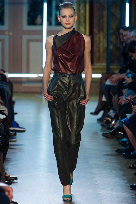Roland Mouret Bahar Style.com üzerine 2013 Hazır Giyim Koleksiyonu Slayt
