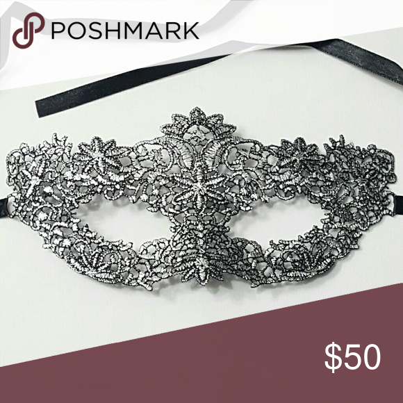 ⤵⤵#6 Masquerade Party Silver Venetian Lace Mask House Clearance