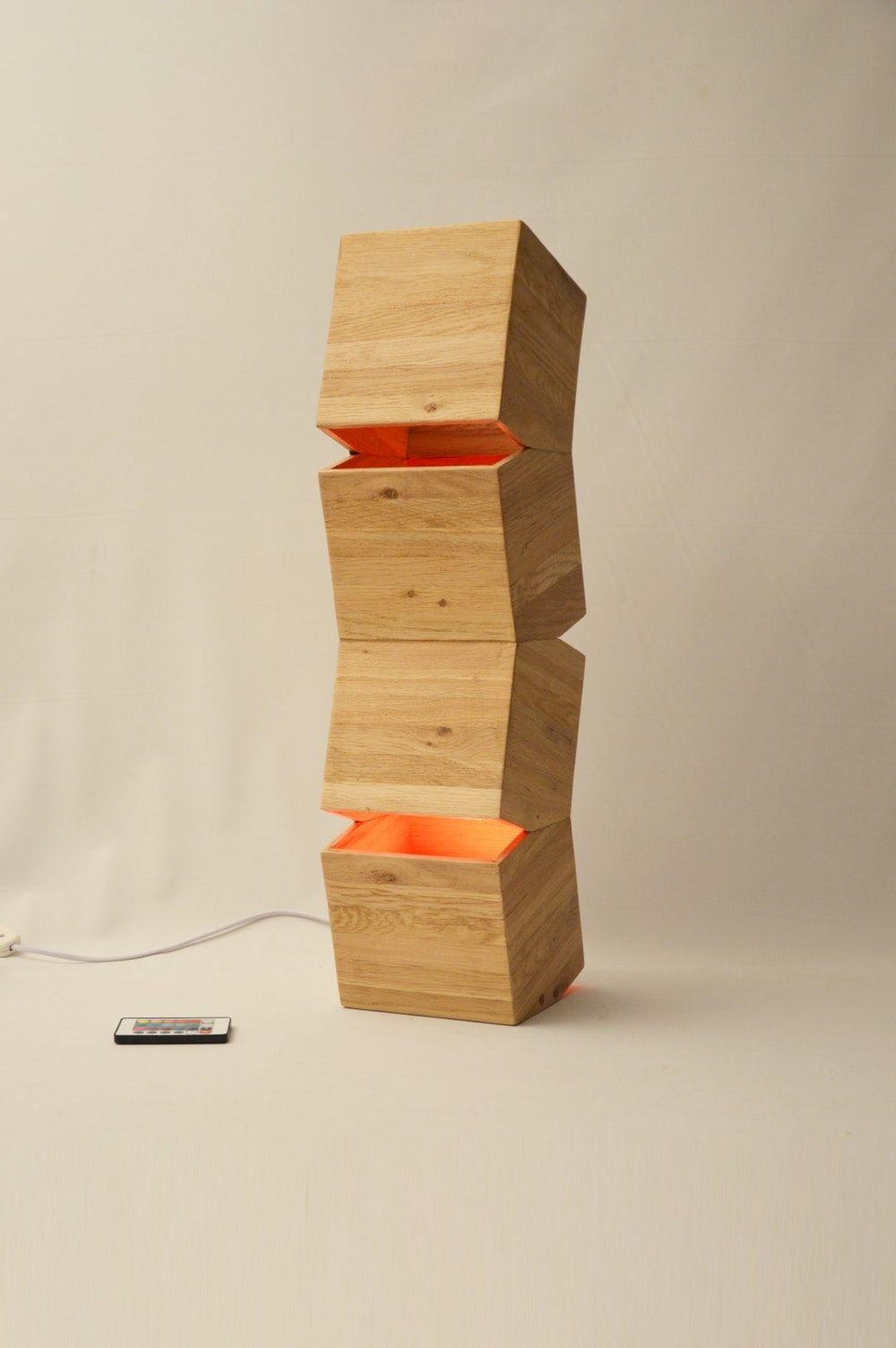 Lampe Design A Poser En Bois Recyclee Avec Led Couleur Et